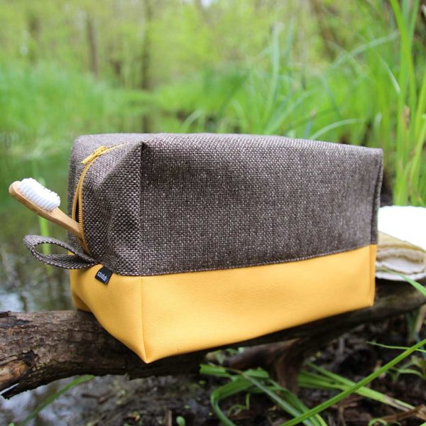 Large toiletry bag yellow dopp kit